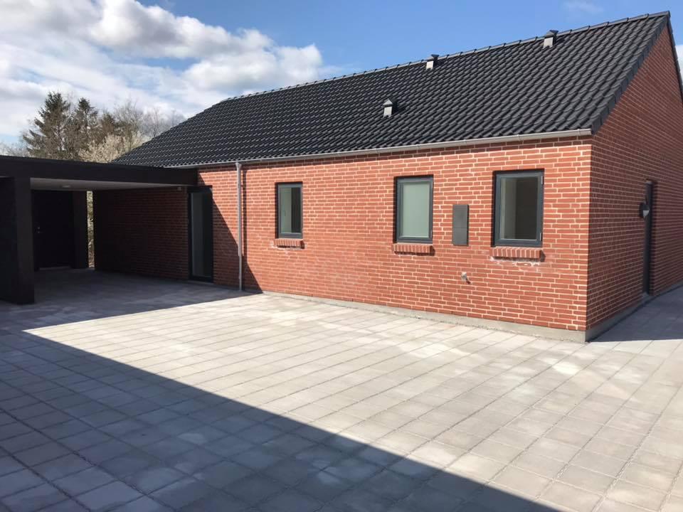 Entreprise på huse i Hobro